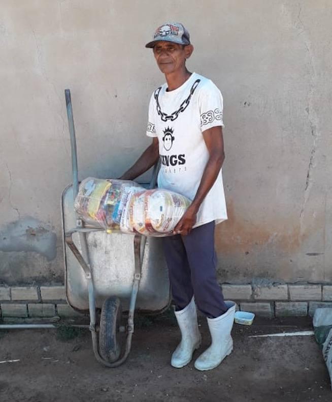 Entrega de cistelles amb aliments per les famílies vulnerbales de São Félix do Araguaia