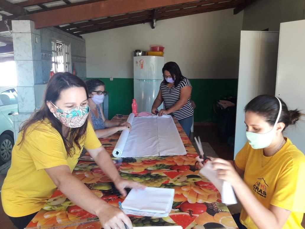 Costura de mascaretes a l'Araguaia