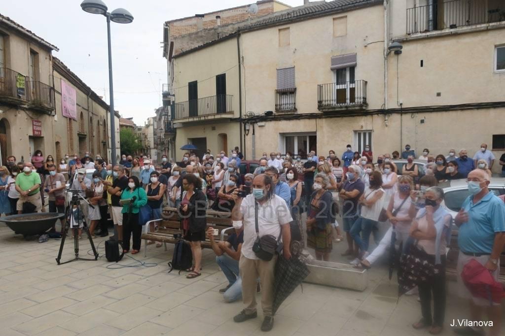 Concentració davant la casa natal de Casaldàliga a Balsareny
