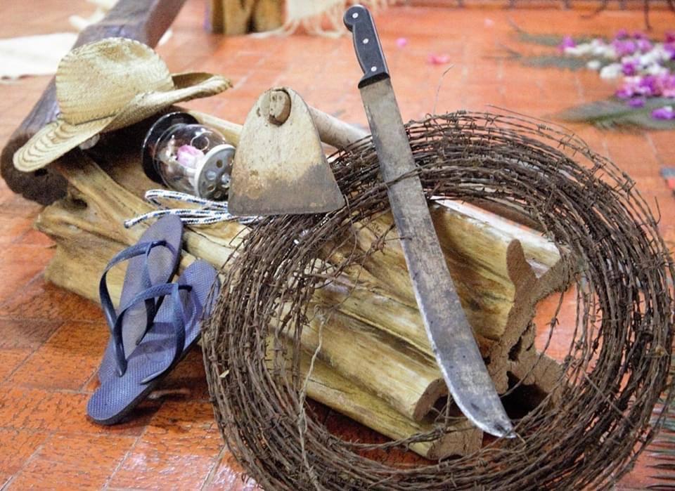 En las despedidas de Casaldáliga estuvieron presentes los símbolos de su vida a favor de los trabajadores rurales y los Pueblos Indiígenas