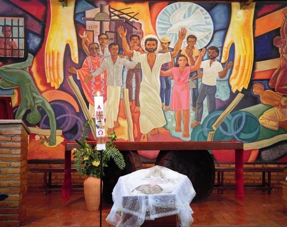 """Velatorio de Casaldàliga en el Santuario de los Mártires de la """"Caminhada"""", en su Prelatura del Araguaia"""