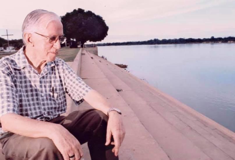Pedro Casaldáliga en el Río Araguaia