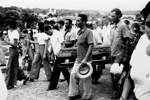 Enterrament del pare João Bosco, assassinat al costat de Casaldàliga